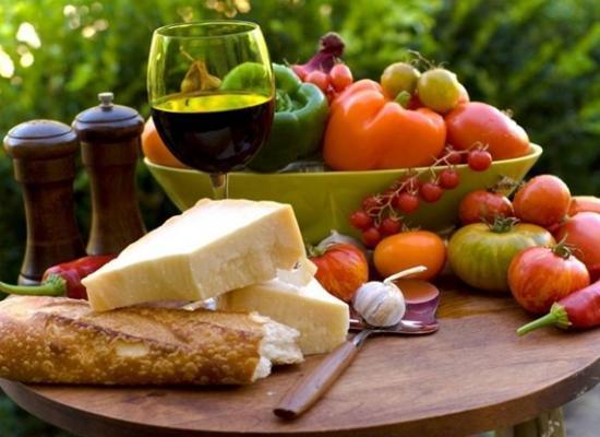 El Reino Unido aconseja la dieta mediterránea para evitar 19.000 muertes al año