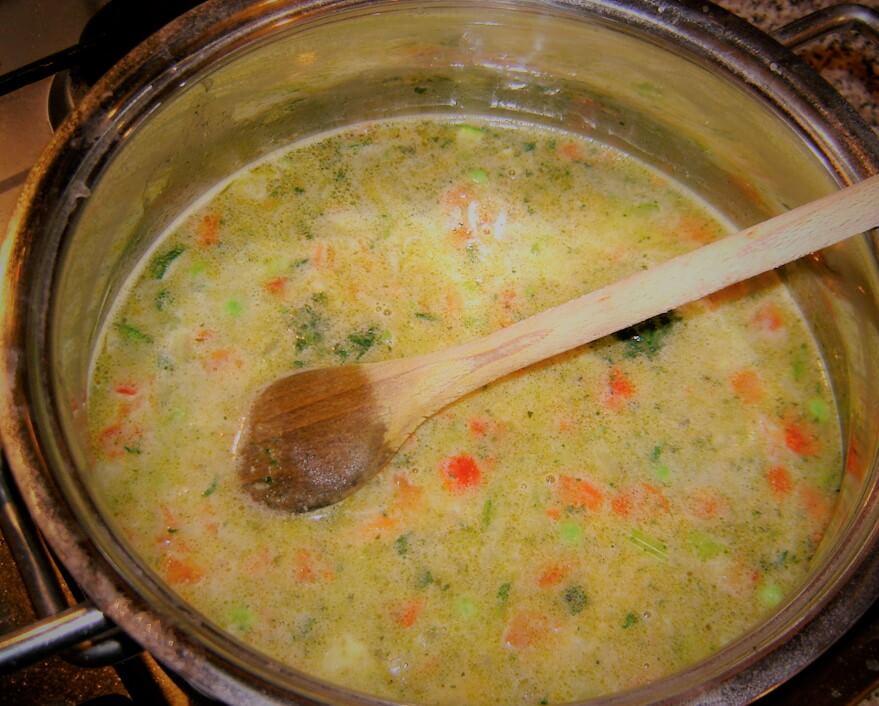 Sopa de hierbas y verduras