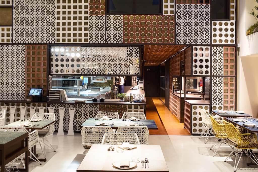 Felicidades al restaurante Disfrutar de Barcelona por haber ser elegido por The World's 50 Best, como restaurante con más potencial del 2017