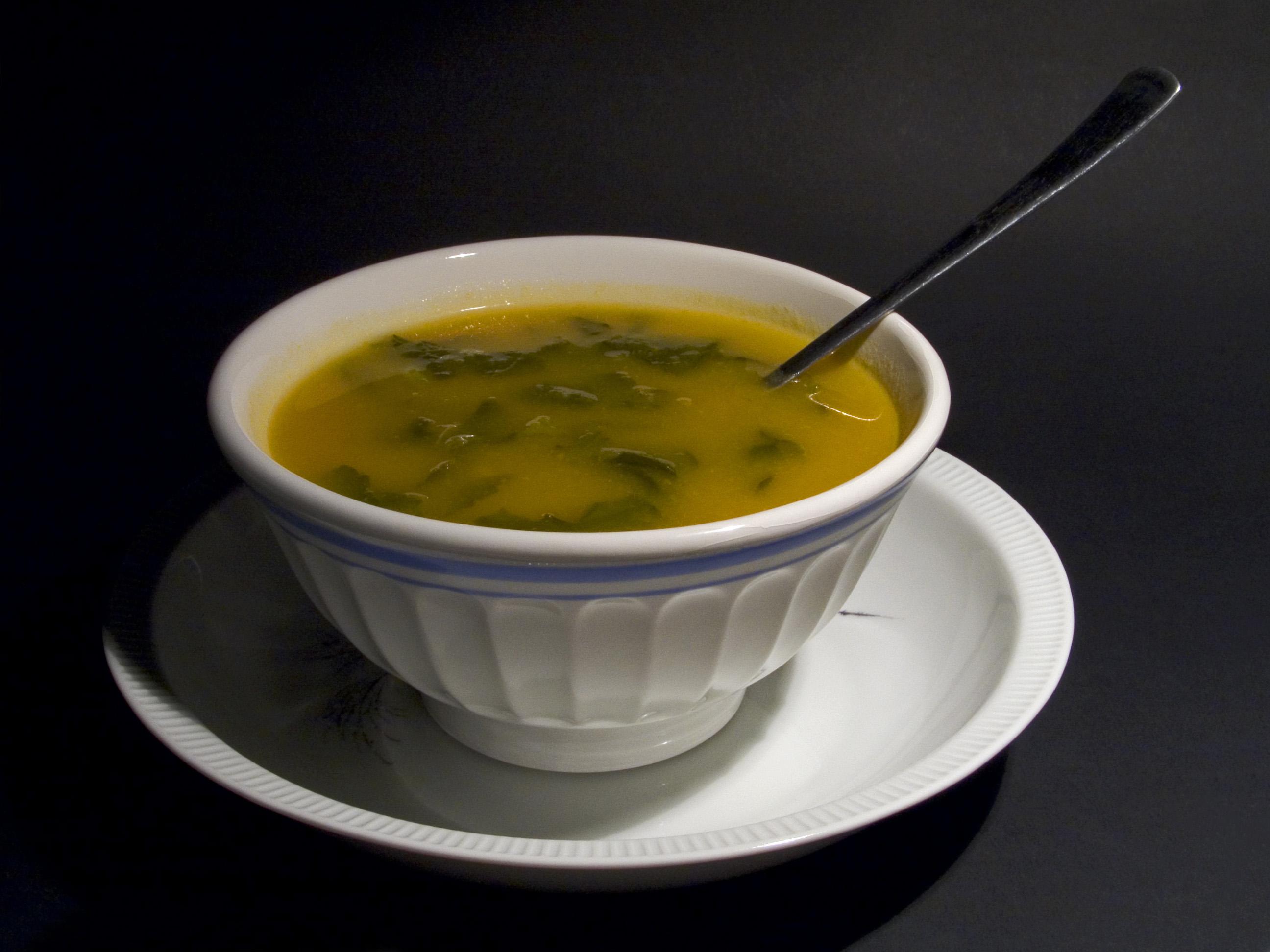 Sopa de pescado griega
