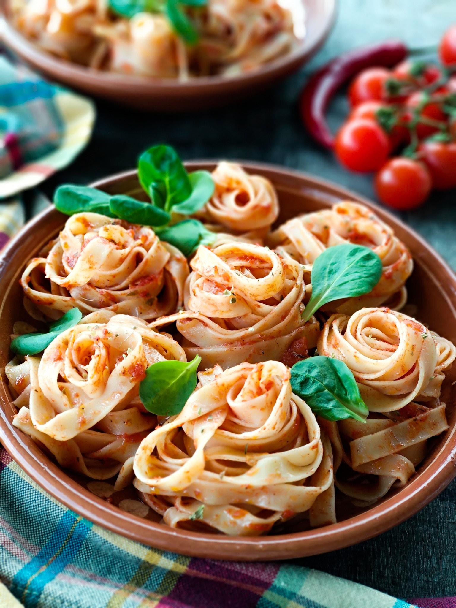 Pasta con tomates secos y aceite de oliva