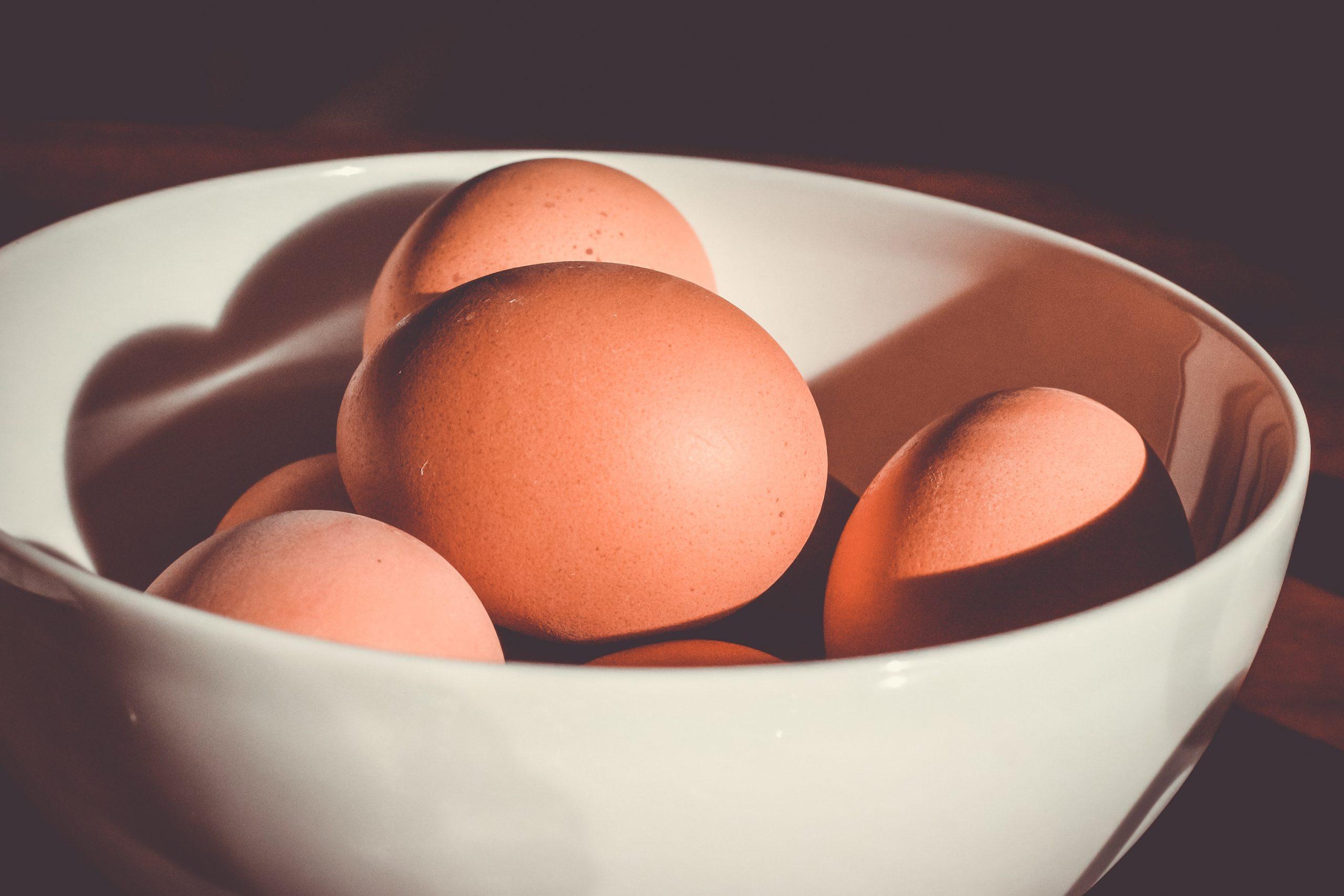Huevos duros rellenos gratinados