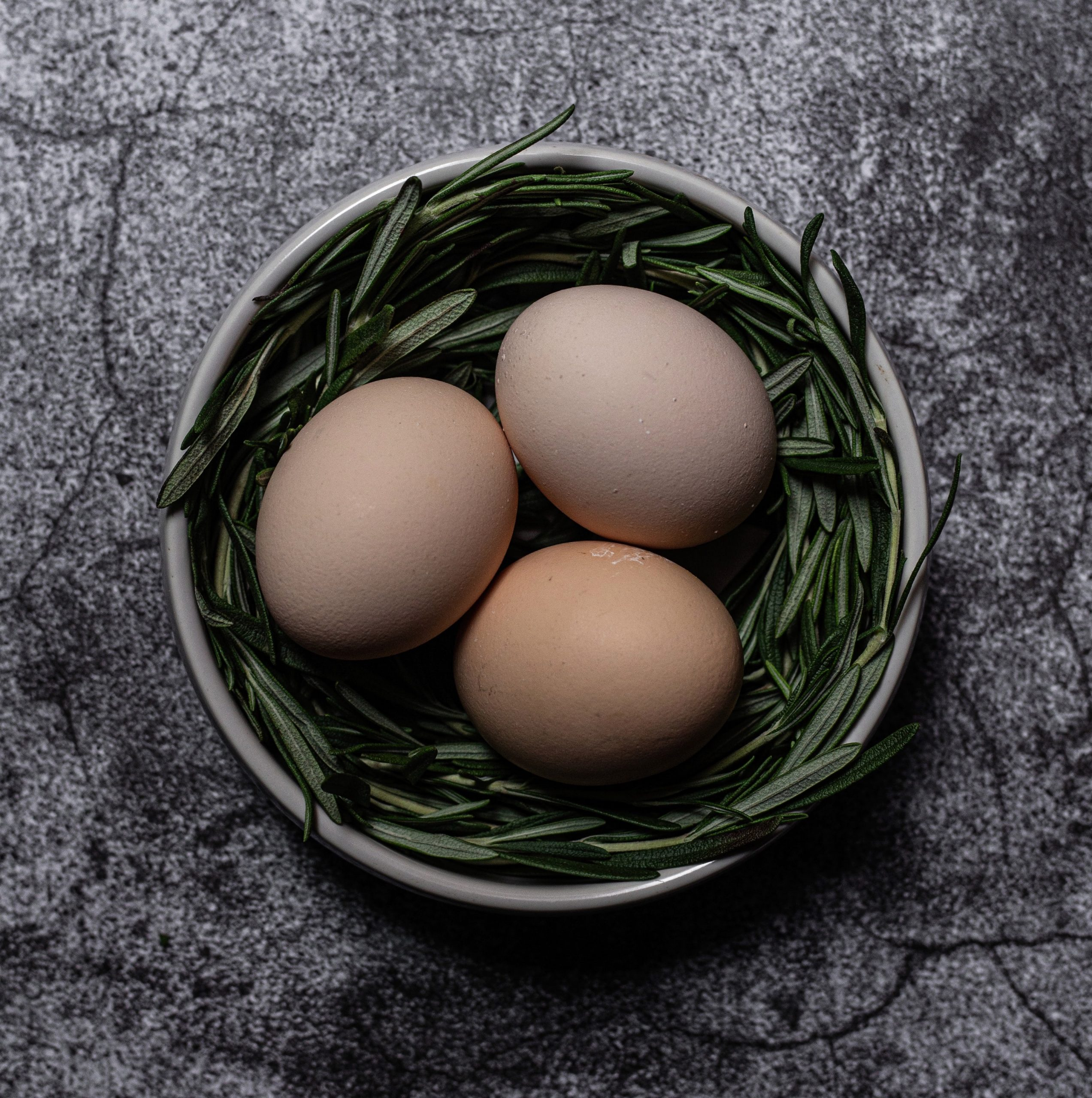 Crema de calçots con huevo poché